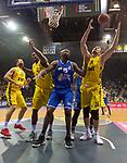 07.10.2018, EWE Arena, Oldenburg, GER, BBL, Pokal, Achtelfinale, EWE Baskets Oldenburg vs Science City Jena,, im Bild<br /> unter dem Korb<br /> Rickey PAULDING (EWE Baskets Oldenburg #23 ) Rasid MAHALBASIC (EWE Baskets Oldenburg #24 )<br /> Derrick ALLEN ( Science City Jena #15 )<br /> Foto &copy; nordphoto / Rojahn