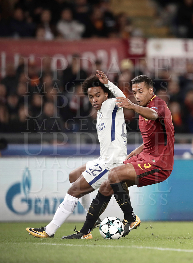 Football Soccer: UEFA Champions League AS Roma vs Chelsea Stadio Olimpico Rome, Italy, October 31, 2017. <br /> Roma's Juan Jesus (r) in action with Chelsea's Willian (l) during the Uefa Champions League football soccer match between AS Roma and Chelsea at Rome's Olympic stadium, October 31, 2017.<br /> UPDATE IMAGES PRESS/Isabella Bonotto
