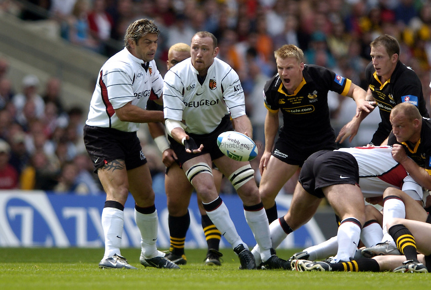 Photo: Richard Lane..London Wasps v Toulouse. Heinenken Cup Final. 23/05/2004..Trevor Brennan gets the ball away.
