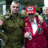 Normandia 1944-2004 60esimo dello sbarco alleato. Reduci americani, paracadutisti.