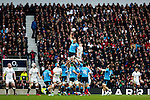 Italy's Sergio Parisse (Captain) wins a lineout - RBS 6 Nations - England vs Italy - Twickenham Stadium - London - 14/02/2015 - Pic Charlie Forgham-Bailey/Sportimage