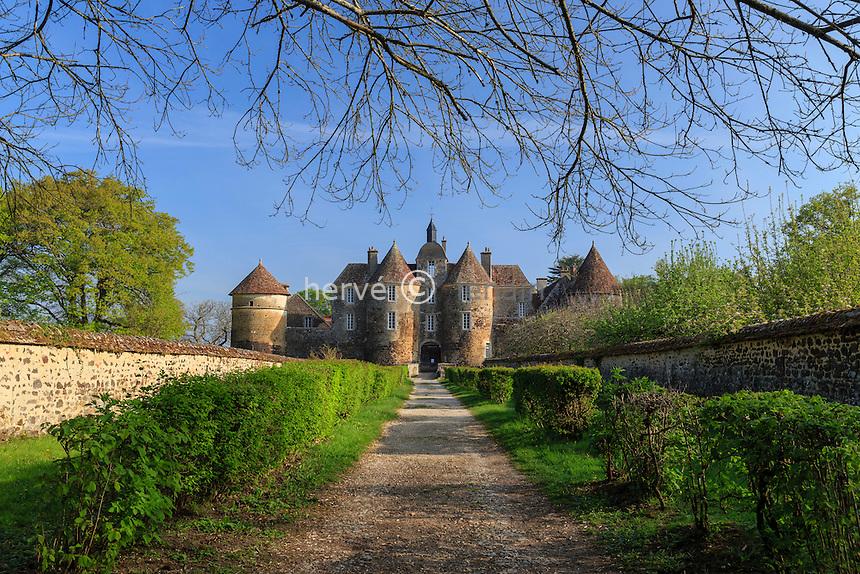 France, la Puisaye, Yonne (89), Treigny, château de Ratilly // France, the Puisaye, Yonne, Treigny, Ratilly castle