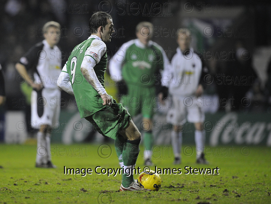 13/02/2008    Copyright Pic: James Stewart.File Name : sct_jspa08_hibernian_v_gretna.STEVEN FLETCHER SCORES HIS THIRD FROM THE PENALTY SPOT.James Stewart Photo Agency 19 Carronlea Drive, Falkirk. FK2 8DN      Vat Reg No. 607 6932 25.Studio      : +44 (0)1324 611191 .Mobile      : +44 (0)7721 416997.E-mail  :  jim@jspa.co.uk.If you require further information then contact Jim Stewart on any of the numbers above........
