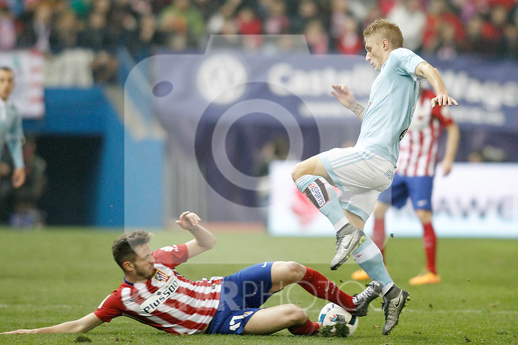 Atletico de Madrid's Saul Niguez (l) and Celta de Vigo's Daniel Wass during Spanish Kings Cup match. January 27,2016. (ALTERPHOTOS/Acero)