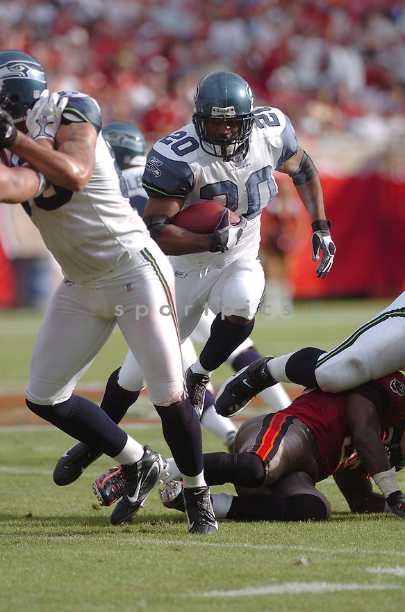 MAURICE MORRIS, of the Seattle Seahawks, during their game  against the Tampa Bay Buccaneers on December 31, 2006 in Tampa Bay, FL...Seattle wins 23-7...TOMASSO DEROSA/ SPORTPICS