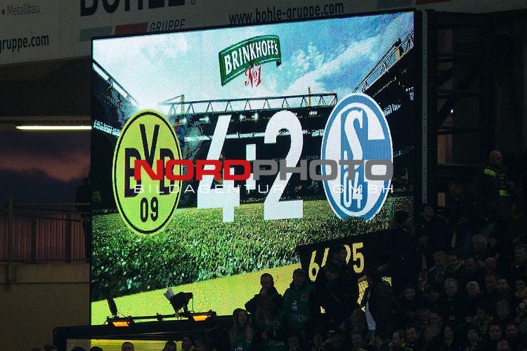 25.02.2017, Signal Iduna Park, Dortmund, GER, 1.FBL, Borussia Dortmund vs FC Schalke 04, <br /> <br /> im Bild | picture shows<br /> Anzeigetafel mit Spielstand, <br /> <br /> Foto &copy; nordphoto / Rauch