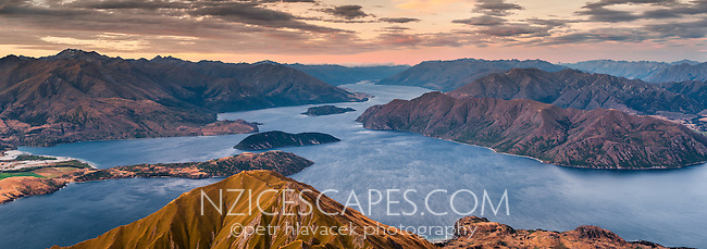 Sunset over Lake Wanaka as seen from Roys Peak 1578m, Central Otago, South Island, New Zealand, NZ