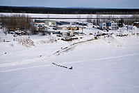 R.Redington Arrives at Galena From Yukon River<br /> 2004 Iditarod
