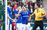 AMSTELVEEN - scheidsrechter Michiel Otten   tijdens  de  eerste finalewedstrijd van de play-offs om de landtitel in het Wagener Stadion, tussen Amsterdam en Kampong (1-1). Kampong wint de shoot outs.  . COPYRIGHT KOEN SUYK
