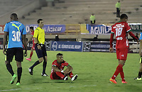 TUNJA -COLOMBIA, 24-02-2016. Diego A. Alvarez (Der) jugador de Patriotas FC lamenta el resultado del juego con La Equidad por la fecha 6 de la Liga Águila I 2016 realizado en el estadio La Independencia en Tunja./ Diego A. Alvarez (sit) player of Patriotas FC lament the result of the match against La Equidad for the date 6 of Aguila League I 2016 at La Independencia stadium in Tunja. Photo: VizzorImage/César Melgarejo/ Cont