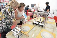 Roma, 3 Ottobre 2014<br /> Auditorium, parco della musica.<br /> Maker Faire Rome, seconda edizione della fiera internazionale delle innovazioni.<br /> Stampa 3D di cibo e pasta.<br /> Rome, October 3, 2014 <br /> Auditorium, Parco della Musica. <br /> Maker Faire Rome, the second edition of the international fair of innovations.