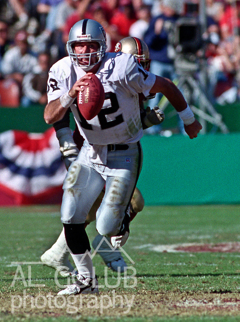 San Francisco 49ers vs. Oakland Raiders at Candlestick Park Sunday, October 8, 2000.  Raiders beat 49ers in OT 34-28.  Oakland Raiders quarterback Rich Gannon (12).
