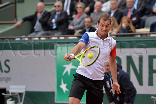 01.06.2016. Roland Garros, Paris, France. French Open tennis tournament, rain delayed quarter-final match, Andy Murray (gbr) versus Richard Gasquet (fra) who returns. Murray came back from a set down to win the match in 4 sets to make the semi-final round.