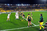 Ricky Riccitelli throws in to a lineout during the Super Rugby semifinal match between the Hurricanes and Chiefs at Westpac Stadium, Wellington, New Zealand on Saturday, 30 July 2016. Photo: Dave Lintott / lintottphoto.co.nz