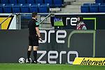 Schiedsrichter Felix Brych schaut sich die Szene auf dem Monitor an bevor er auf Elfmeter fuer Koeln entscheidet.<br /> <br /> Sport: Fussball: 1. Bundesliga: Saison 19/20: 28. Spieltag: TSG 1899 Hoffenheim - 1. FC Koeln, 27.05.2020<br /> <br /> Foto: Markus Gilliar/GES/POOL/PIX-Sportfotos.<br /> <br /> Nur für journalistische Zwecke! Only for editorial use!<br /> <br /> Gemäß den Vorgaben der DFL Deutsche Fußball Liga ist es untersagt, in dem Stadion und/oder vom Spiel angefertigte Fotoaufnahmen in Form von Sequenzbildern und/oder videoähnlichen Fotostrecken zu verwerten bzw. verwerten zu lassen. DFL regulations prohibit any use of photographs as image sequences and/or quasi-video.