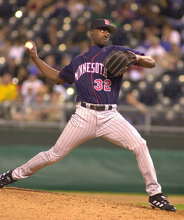 Minnesota Twins right handed pitcher LaTroy Hawkins enters the game in the seventh inning against the Royals at Kauffman Stadium in Kansas City, Missouri on May 14, 2002.  Kansas City won 8-1.