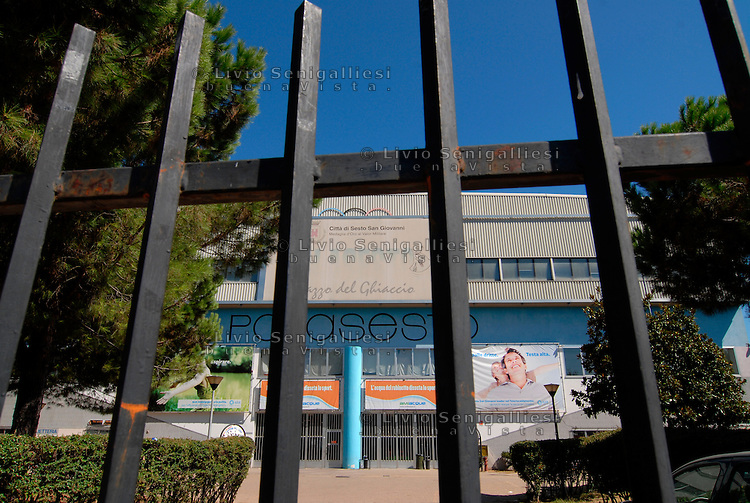 SESTO SAN GIOVANNI (MI) - 28 AGOSTO 2011.VEDUTA DEL PALAGHIACCIO DI SESTO SAN GIOVANNI, STRUTTURA DI CUI SI PARLA NELL'INCHIESTA CHE COINVOLGE L'EX SINDACO PENATI..FOTO LIVIO SENIGALLIESI