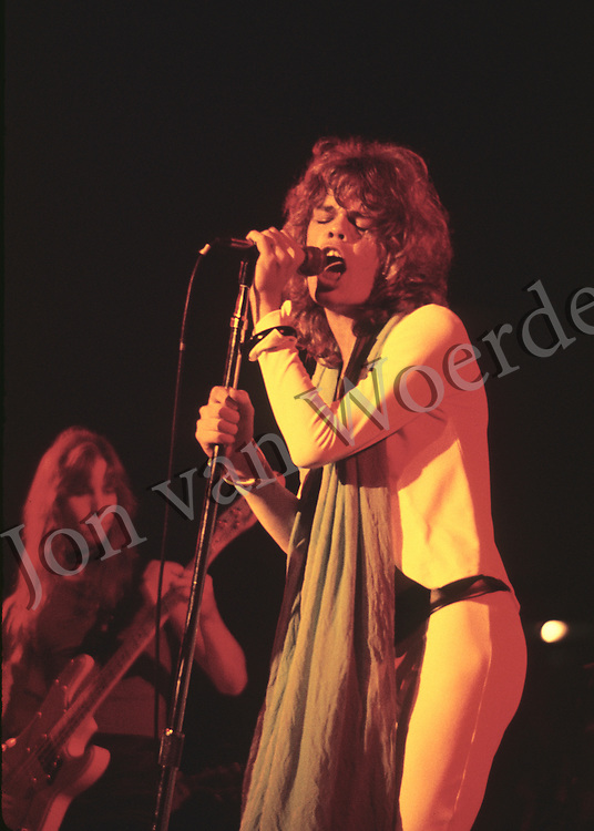 Lead singer David Johansen of the glam-rock band the New York Dolls performs in concert.