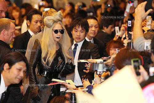 Lady Gaga, .Dec 20, 2011: .American singer Lady Gaga arrives .at Narita Airport, Chiba, Japan. .(Photo by YUTAKA/AFLO) [1040]
