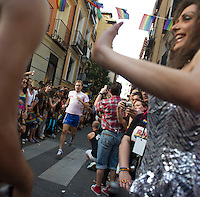 28/06/2012. Chueca. Madrid. Spain. Gay pride parade. Race shoes with heels. (C) Belen D. Alonso / DyD Fotografos