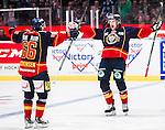 ***BETALBILD***  <br /> Stockholm 2015-09-19 Ishockey SHL Djurg&aring;rdens IF - Skellefte&aring; AIK :  <br /> Djurg&aring;rdens Marcus H&ouml;gstr&ouml;m firar sitt 1-0 m&aring;l med Marcus S&ouml;rensen under matchen mellan Djurg&aring;rdens IF och Skellefte&aring; AIK <br /> (Foto: Kenta J&ouml;nsson) Nyckelord:  Ishockey Hockey SHL Hovet Johanneshovs Isstadion Djurg&aring;rden DIF Skellefte&aring; SAIK jubel gl&auml;dje lycka glad happy