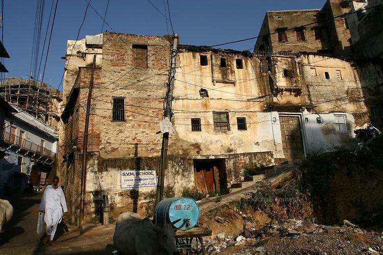 31.10.2008 Udaipur(Rajasthan)<br /> <br /> Street life.<br /> <br /> Vie de la rue.