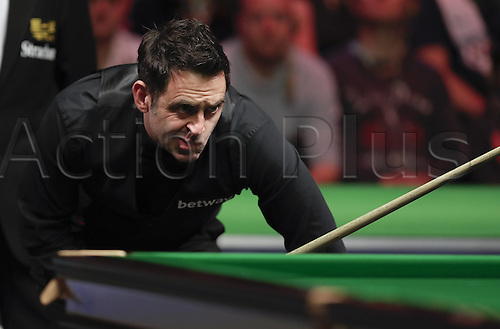 04.12.2016. York, Yorkshire, England.  Ronnie O'Sullivan of England competes during the final match with Mark Selby of England at the Snooker UK Championship in York, Britain, on December 4, 2016.