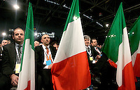 Delegati con le bandiere tricolori durante la seconda giornata del congresso fondativo del PdL, partito del Popolo della Liberta', alla Nuova Fiera di Roma, 28 marzo 2009..Delegates hold tricolour flags during the Foundation Congress of the People of Freedom center right party in Rome, 28 march 2009..UPDATE IMAGES PRESS/Riccardo De Luca