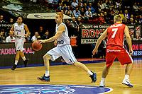 GRONINGEN - Basketbal, Donar - Aris, Dutch Baketball League, seizoen 2018-2019, 10-10-2018,  Donar speler Jobi Wall met Aris speler Deividas Kumelis