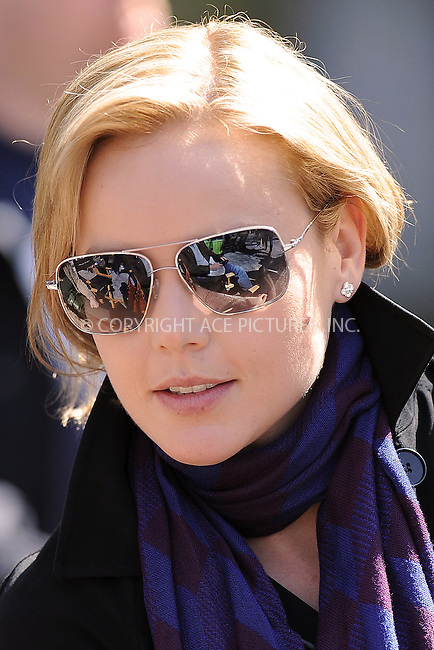 WWW.ACEPIXS.COM . . . . . ....April 1 2010, New York City....Actress Abbie Cornish on the set of the new movie 'The Dark Fields in Manhattan on April 1 2010 in New York City....Please byline: KRISTIN CALLAHAN - ACEPIXS.COM.. . . . . . ..Ace Pictures, Inc:  ..(212) 243-8787 or (646) 679 0430..e-mail: picturedesk@acepixs.com..web: http://www.acepixs.com
