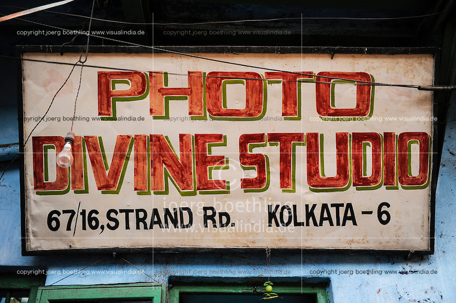 INDIA Westbengal, Kolkata, board of photo divine studio