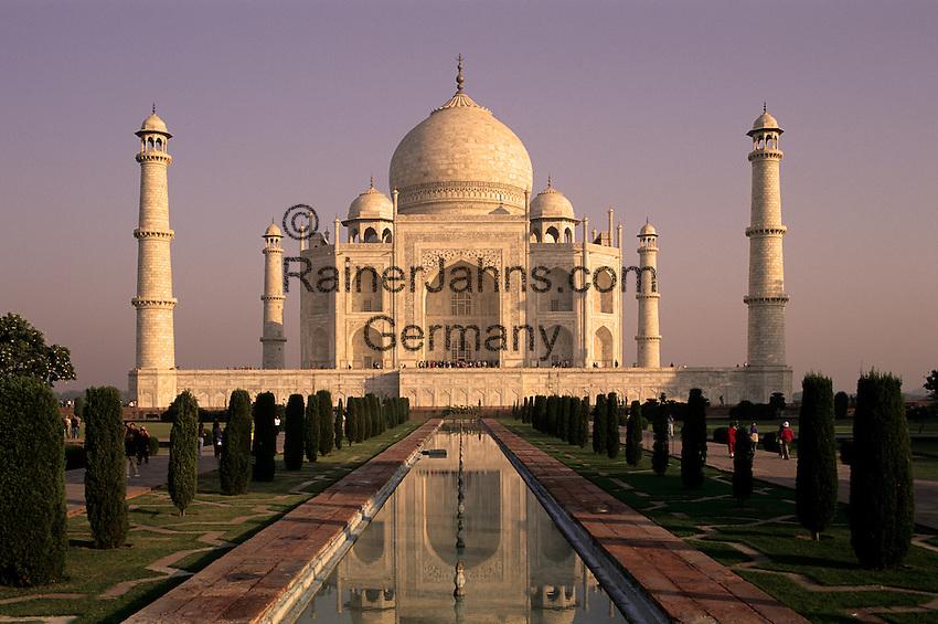 India, Uttar Pradesh, Agra: Taj Mahal at sunrise   Indien, Uttar Pradesh, Agra: Taj Mahal bei Sonnenaufgang
