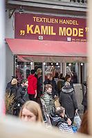 """Das Textilgeschaeft """"Kamil Mode"""" von Hassan Qadri in Kreuzberg ist von Zwangsraeumung bedroht. Die Kuendigung zum 31. Maerz 2019 durch den Eigentuemer des Hauses am Kottbuser Damm 9, Thorsten Cussler, bedeutet nach 16 Jahren das Aus fuer das Modegschaeft. Cussler will fuer den 61 Quadratmeter grossen Laden zukuenftig ueber 3.000,- Euro Miete, momentan zahlt Hassan Qadri 1.200,- Euro.<br /> Anwohner und Kunden protestieren seit Monaten gegen die Kuendigung, so auch am Freitag den 22. Maerz 2019. Thorsten Cussler beharrt jedoch weiter darauf, dass """"Kamil Mode"""" geschlossen wird.<br /> 22.3.2019, Berlin<br /> Copyright: Christian-Ditsch.de<br /> [Inhaltsveraendernde Manipulation des Fotos nur nach ausdruecklicher Genehmigung des Fotografen. Vereinbarungen ueber Abtretung von Persoenlichkeitsrechten/Model Release der abgebildeten Person/Personen liegen nicht vor. NO MODEL RELEASE! Nur fuer Redaktionelle Zwecke. Don't publish without copyright Christian-Ditsch.de, Veroeffentlichung nur mit Fotografennennung, sowie gegen Honorar, MwSt. und Beleg. Konto: I N G - D i B a, IBAN DE58500105175400192269, BIC INGDDEFFXXX, Kontakt: post@christian-ditsch.de<br /> Bei der Bearbeitung der Dateiinformationen darf die Urheberkennzeichnung in den EXIF- und  IPTC-Daten nicht entfernt werden, diese sind in digitalen Medien nach §95c UrhG rechtlich geschuetzt. Der Urhebervermerk wird gemaess §13 UrhG verlangt.]"""