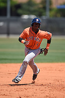Houston Astros Hector Roa (4) during a minor league spring training game against the Atlanta Braves on March 29, 2015 at the Osceola County Stadium Complex in Kissimmee, Florida.  (Mike Janes/Four Seam Images)