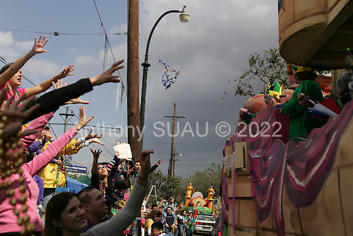 New Orleans, Louisiana.February 25, 2006..Mardi Gras parades in uptown New Orleans.