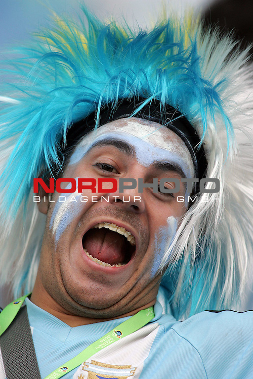FIFA WM 2006 - Round Of Sixteen / Achtelfinale<br /> <br /> Play #50 (24-Jun) - Argentina vs Mexico.<br /> <br /> Supporters from Argentina celebrate prior to the match of the World Cup in Leipzig.<br /> <br /> Foto &copy; nordphoto