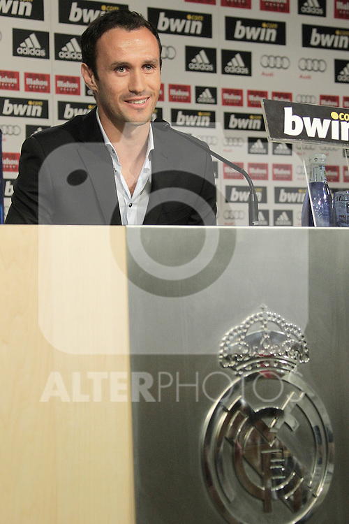 MADRID (12/08/2010).- Ricardo Carvalho press conference as new Real Madrid player...Photo: Cesar Cebolla / ALFAQUI