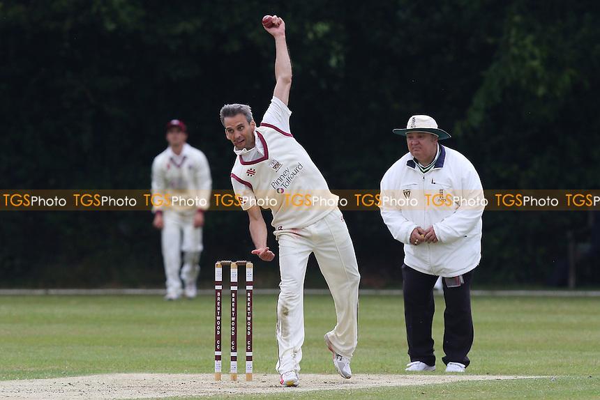 Brentwood CC (fielding) vs Harold Wood CC - Essex Cricket League - 13/06/15 - MANDATORY CREDIT: Gavin Ellis/TGSPHOTO - Self billing applies where appropriate - contact@tgsphoto.co.uk - NO UNPAID USE