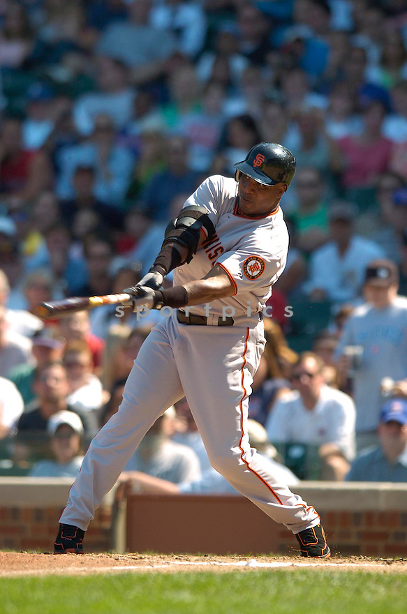 Barry Bonds, of the San Francisco Giants, in action against the Chicago Cubs on September 2, 2006 in Chicago, IL...Giants win 4-2..David Durochik / SportPics.