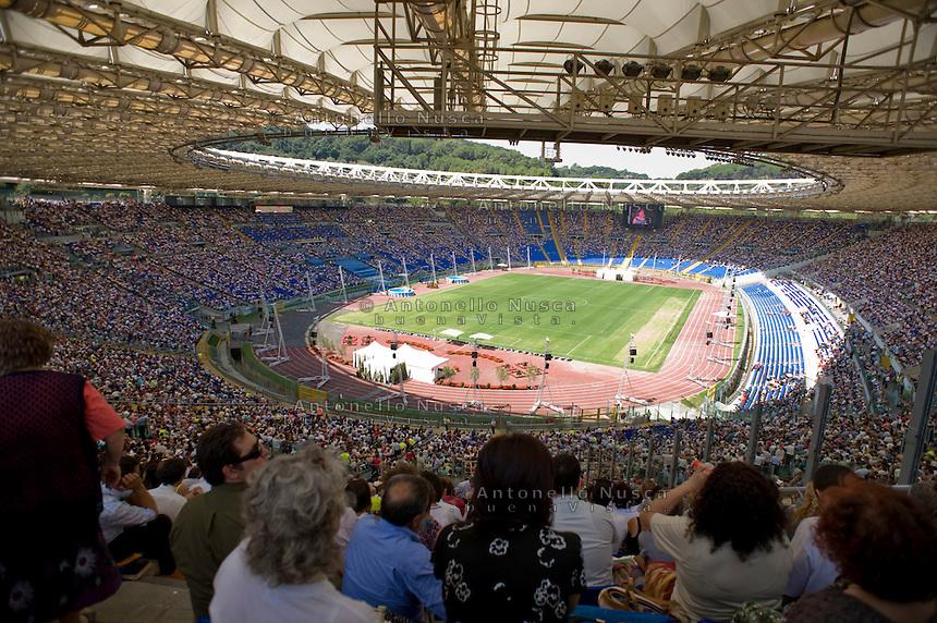 Un raduno internazionale dei Testimoni di Geova allo stadio Olimpico di Roma.<br /> A Jehovah's Witness during their international  convention at the Olimpic Stadium in Rome.
