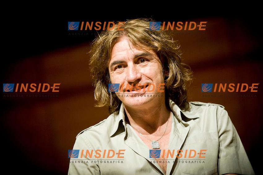 Luciano Ligabue.Salone Internazionale del Libro di Torino 2012 .Torino, 12/05/2012.© Giorgio Perottino / Insidefoto