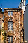 Ruiny starej kamienicy na krakowskim Kazimierzu.<br /> The ruins of an old tenement house on Krakow's Kazimierz.
