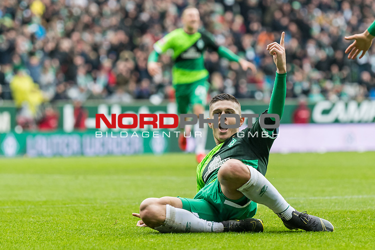 10.02.2019, Weserstadion, Bremen, GER, 1.FBL, Werder Bremen vs FC Augsburg<br /> <br /> DFL REGULATIONS PROHIBIT ANY USE OF PHOTOGRAPHS AS IMAGE SEQUENCES AND/OR QUASI-VIDEO.<br /> <br /> im Bild / picture shows<br /> Milot Rashica (Werder Bremen #11) bejubelt seinen Treffer zum 3:0, <br /> <br /> Foto &copy; nordphoto / Ewert