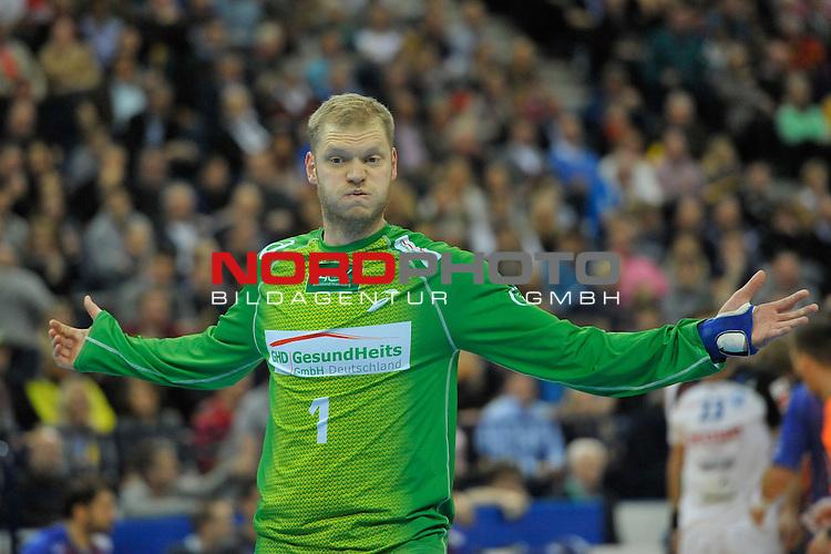 22.12.2013, O2 World Hamburg,  Hamburg GER, DKB Handballbundesliga 2013-2014,  HSV Hamburg vs. BHC 06  im Bild Johannes Bitter (HSV Hamburg #1 ) mit grimmigen Gesicht .<br />  Foto &copy; nordphoto Freund