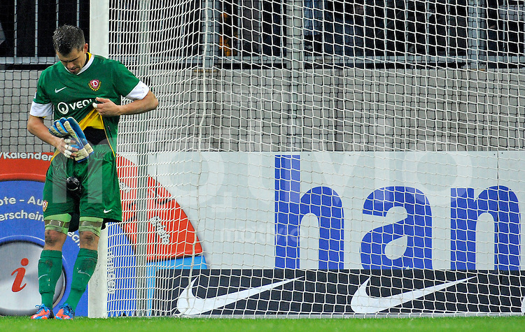 Fussball, 2. Bundesliga, Saison 2012/13, SG Dynamo Dresden - 1. FC Union Berlin, Sonntag (04.11.12), Dresden, Gluecksgas Stadion. Dresdens Torwart Benjamin Kirsten enttaeuscht nach der 0:2 Niederlage.