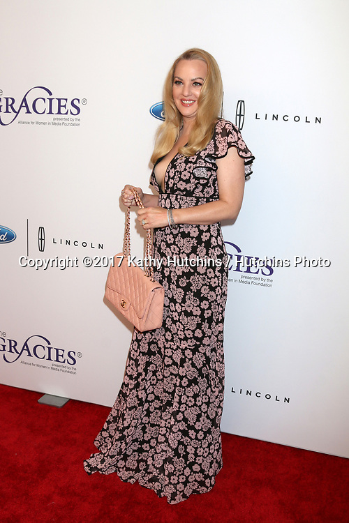 LOS ANGELES - JUN 6:  Wendi McLendon-Covey at the 42nd Annual Gracie Awards at the Beverly Wilshire Hotel on June 6, 2017 in Beverly Hills, CA