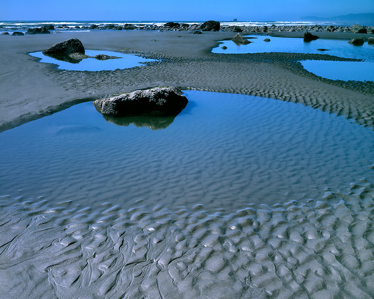 Tidal pools at low tide on Ruby Beach; Olympic National Park, WA