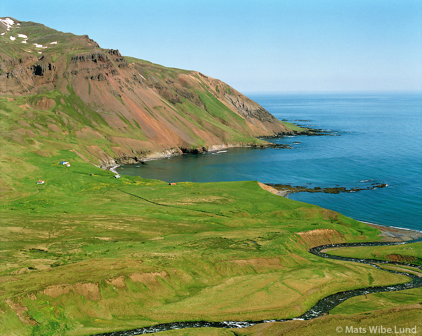 Húsavík, séð til norðausturs, Borgarfjarðarhreppur eystri /.Husavik, viewing northeast, Borgarfjardarhreppur eystri