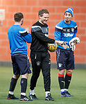 Jonatan Johansson with Lee Hodson and Fabio Cardoso