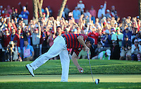 Phil Mickelson (Team USA) picks out his ball from the 17th cup and wins the match for Team USA during the Saturday Afternoon Four-Balls, at the 41st Ryder Cup 2016, at Hazeltine National Golf Club, Minnesota, USA.  01View of the 10th2016. Picture: David Lloyd | Golffile.